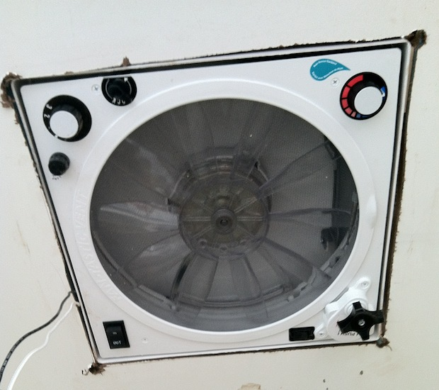 dry fit fan assembly
